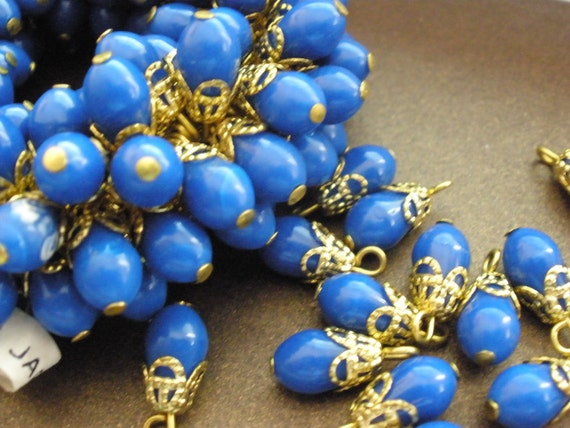 Vintage Glass Beads (16) Japanese Blue Drop Dangle Beads
