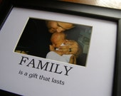 Family Is A Gift That Lasts  Picture Photo Mat Design M12