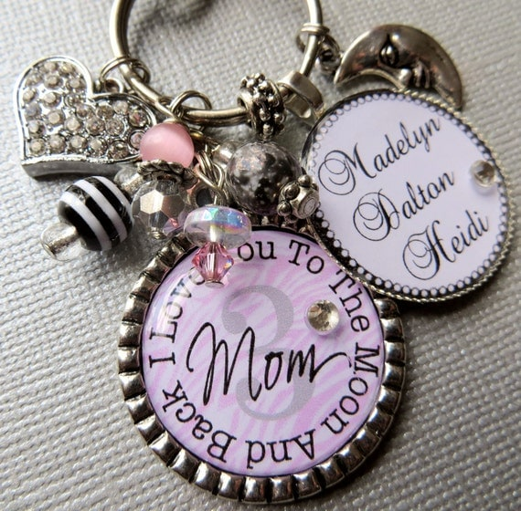 I Love You To The Moon and Back Mom Keychain Personalized gift, Valentine gift Children's Names, birthday gift, Mimi,  Sister gift, daughter