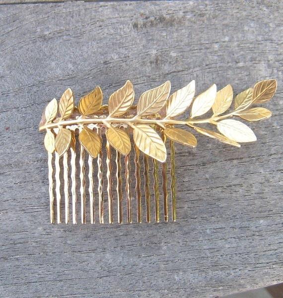 Golden leaf haircomb