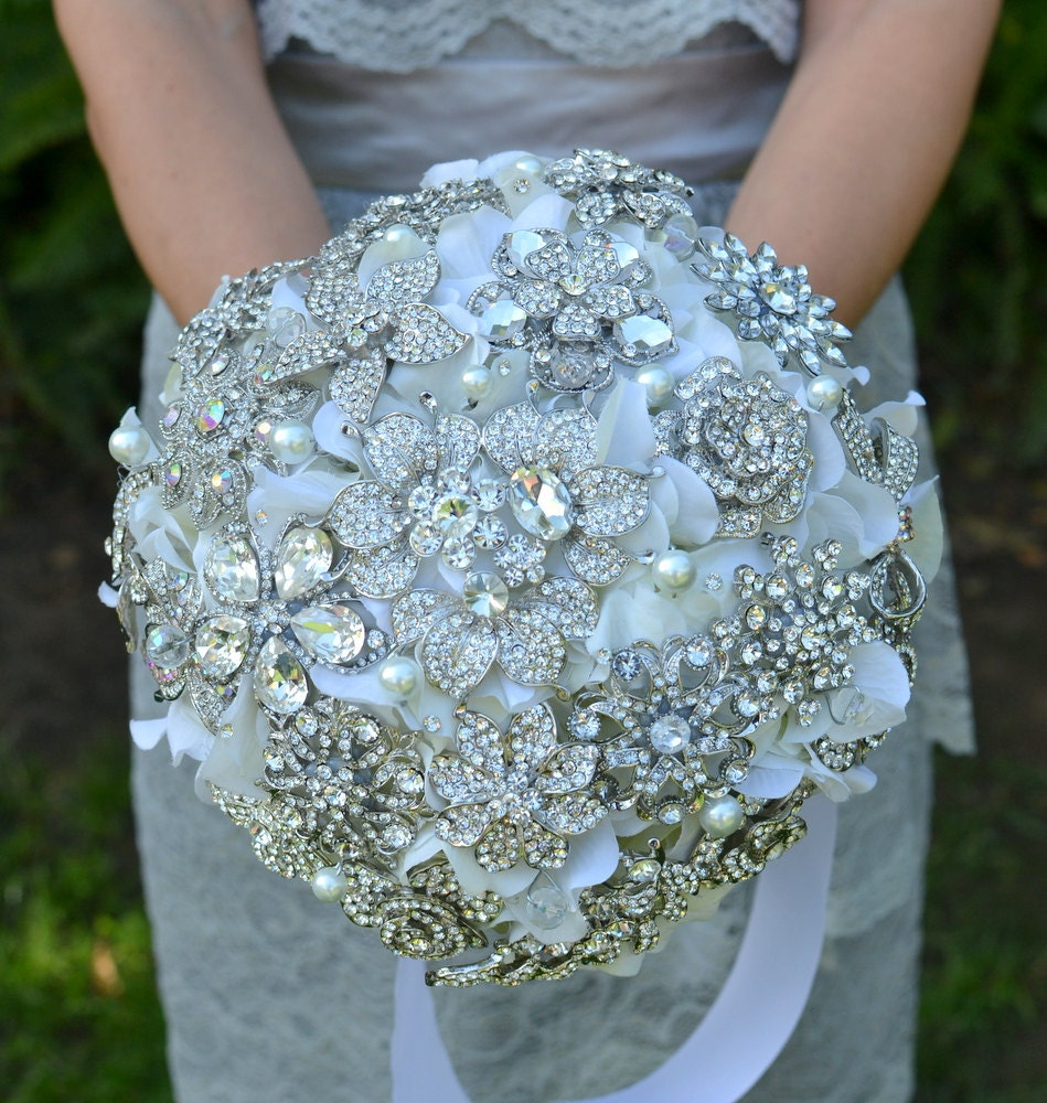 Bridal Bouquet Made Of Jewels : Deposit on a rhinestone jewel brooch bridal bouquet made