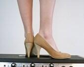 Zodiac Shoes - Vintage Suede Leather Pumps, Size 7.5 - 8