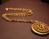 Beautiful Vintage Gold Locket Necklace