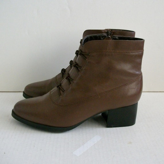 Size 7.5 Brown Leather Zip Up Ankle Boots Chunky Heels