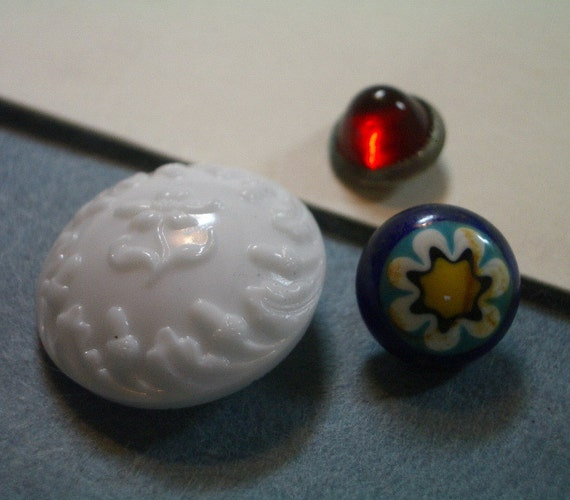 3 Vintage GLASS Buttons