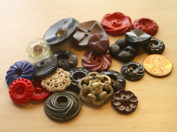 22 Vintage Housedress Buttons -  Multi-colored