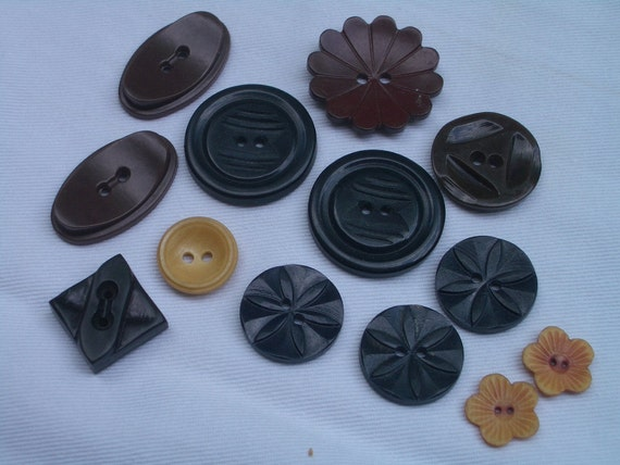 Vintage Bakelite Buttons Small and Mediums