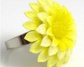 Vintage Yellow Dahlia Ring