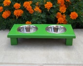 """Green Elevated Pet Bowl Feeder 3"""" Tall with 1-Pint Bowls"""