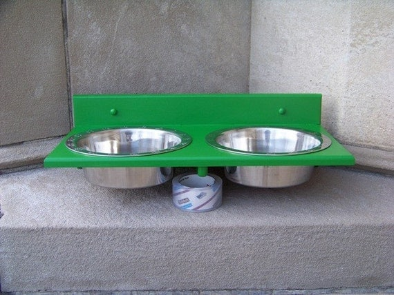 3 quart wall mounted dog bowl feeder custom painted. Black Bedroom Furniture Sets. Home Design Ideas