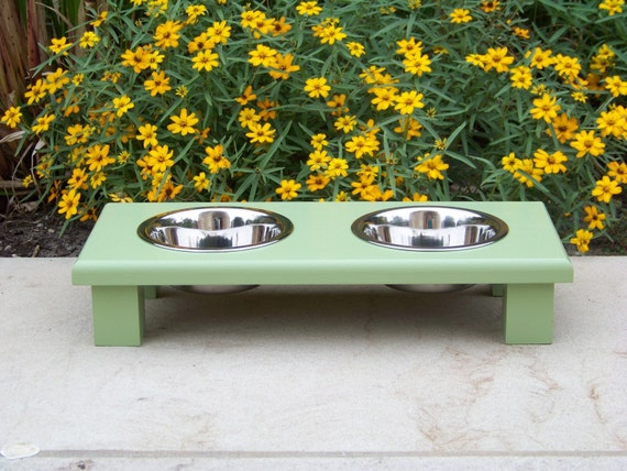 "Guacamole Green Elevated Pet Bowl Feeder 3"" Tall with 1-Pint Bowls"