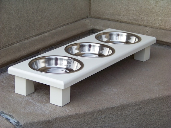 """White Elevated Extra Wide/Shallow 3-Bowl Cat Feeder 3"""" Tall with 1-Pint Bowls"""