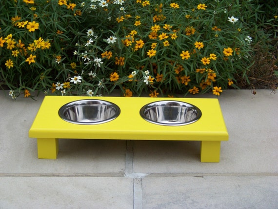 """Yellow Raised Pet Bowl Feeder 3"""" Tall with 1-Pint Bowls"""