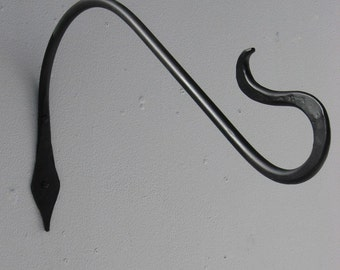 18 Inch Plant Hanger Double Curl End made by PA Blacksmith Arkiron