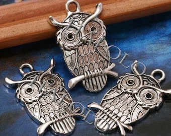 Sale - 18pcs antique silver owl standing on branch 28mm BN066