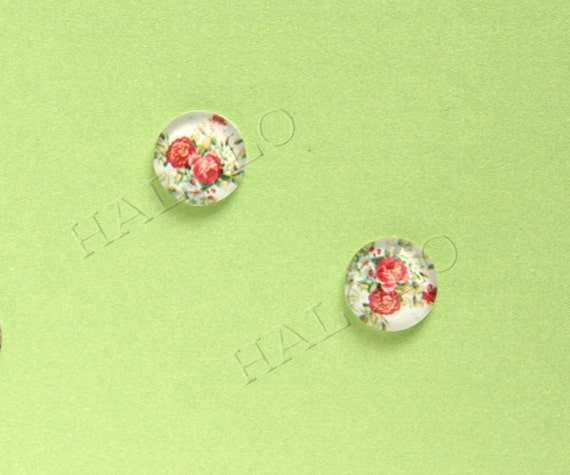Sale - 10pcs handmade red flowers surrounded by green leaves round clear glass dome cabochons 12mm (12-91208)
