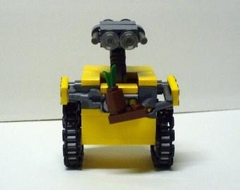 Custom Miniland W E Robot Model
