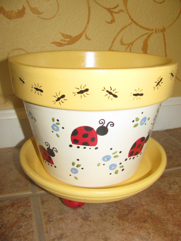 ladybug flower pot. Black Bedroom Furniture Sets. Home Design Ideas