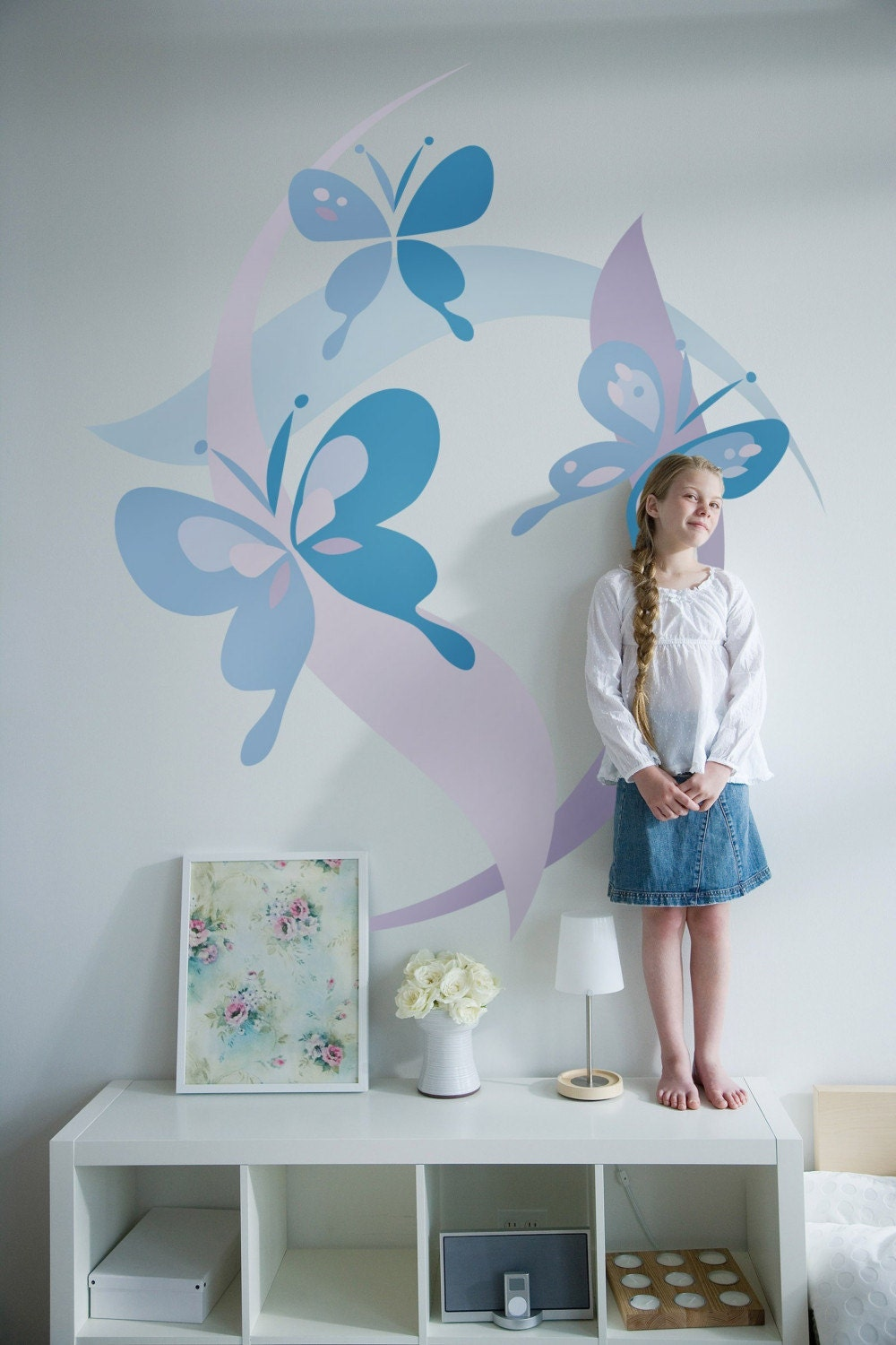 Kids bedrooms small bedrooms butterflies murals for Diy photo wall mural