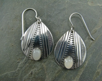 pear shape earring with moonstone