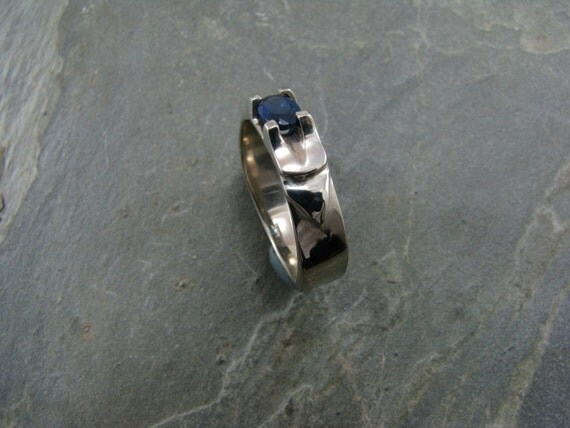 14kw with 5x7mm oval sapphire