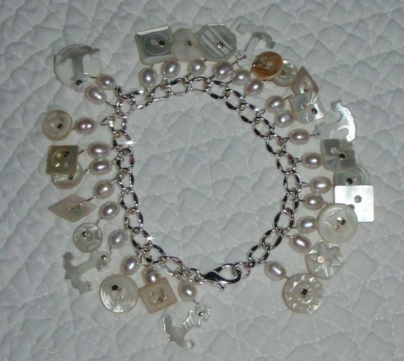 Charming White Pearl Buttons Bracelet