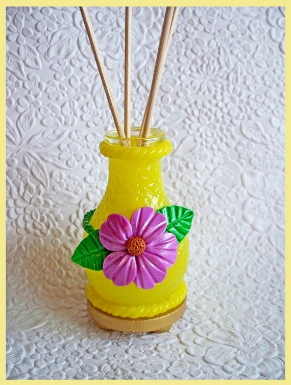 Decorative Mini Diffuser / Air Freshener Bottle with Reeds no.1