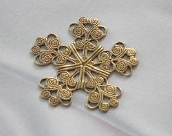 Antique gold Finish Brass Filigree Snowflake Stamping  6622 AGP