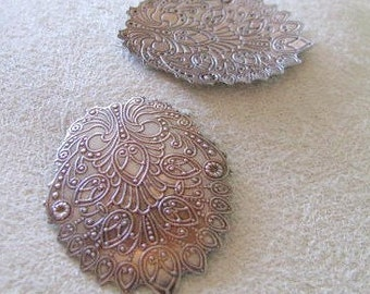Etched Filigree Design dapped Fancy Ovals Antique Silver Finish
