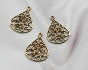 Antique Gold Finish Brass Cut out Drops   06263 agp