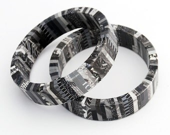 Recycled Magazine Wrapped Eco Friendly Bangle Bracelet in Shades of Black and White - Asphalt