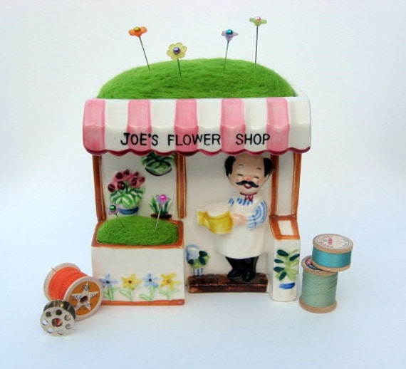 Needle Felted Pin Cushion In Vintage Planter - Joe's Flower Shop