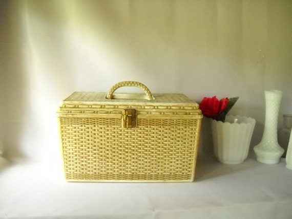 Vintage Sewing Box Faux Basket Weave Wicker Plastic Sewing Box