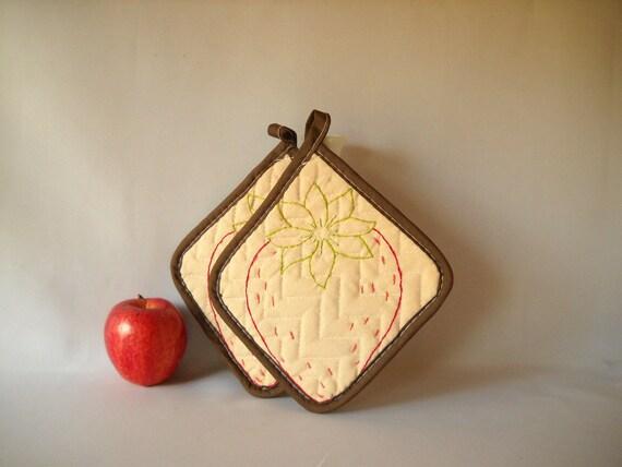 Vintage Pot Holders Embroidered Potholders Strawberry Potholders Retro Kitchen