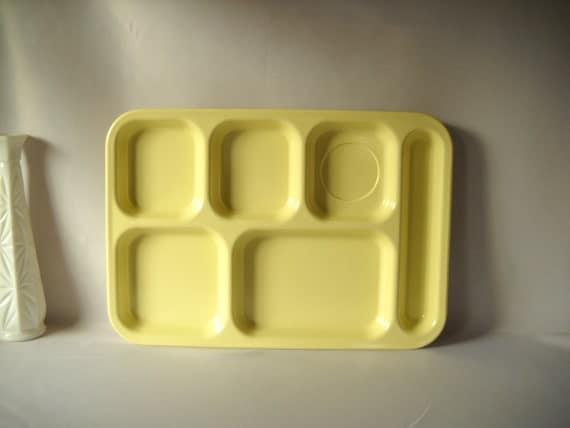 Vintage Melamine Trays Plastic Lunch Trays Dallasware Arrowhead Organizers Storage Yellow Retro Kitchen Serving