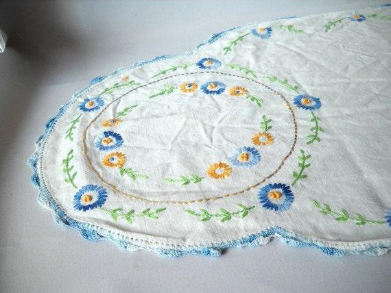 Vintage Dresser Scarf  Embroidered Dresser Scarf Cotton Linen Blue Daisy Lace Edged Crochet Cottage Style Boudoir Decor