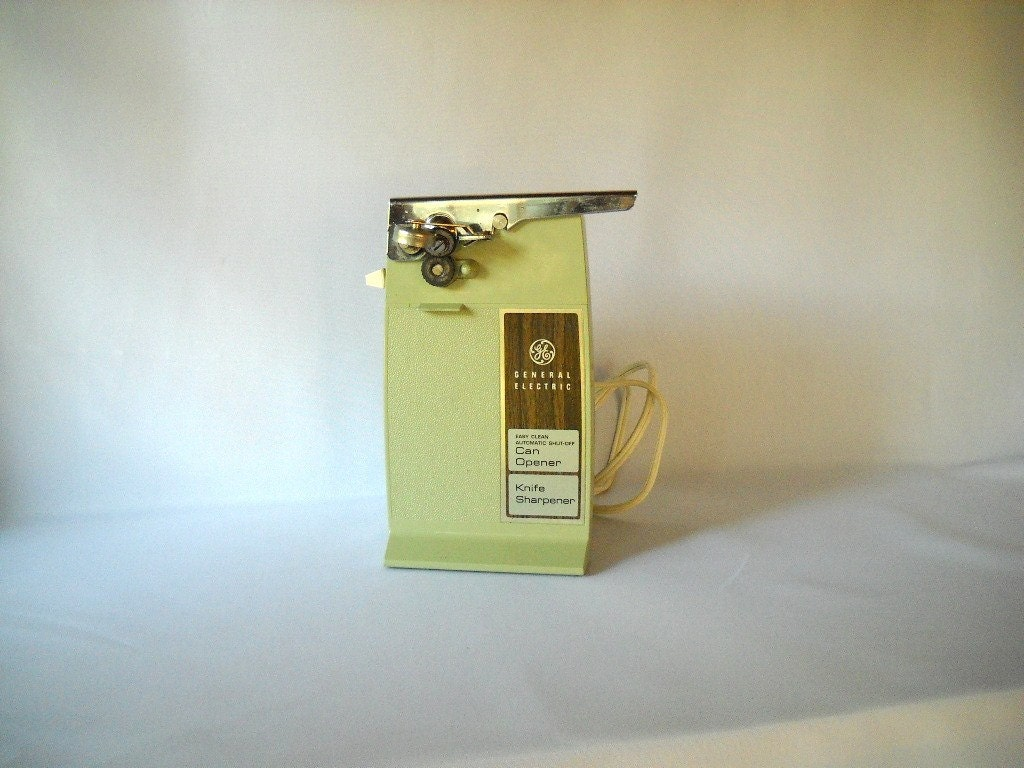 Electric Can Opener ~ Vintage electric can opener sage green ge