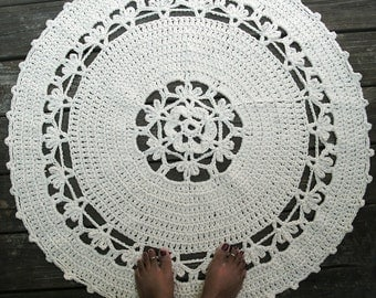 "Ecru Off White Cotton Crochet Rug in 34"" Circle Flower Pattern Non Skid"