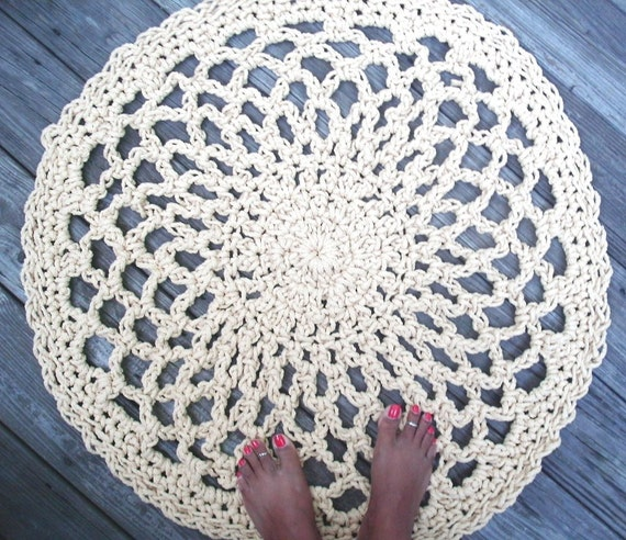 """Dijon Yellow Patio Porch Cord Crochet Rug in 33"""" Lacy Circle Pattern LAST ONE"""