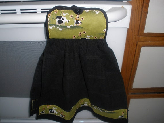Kitchen towel w/pot holder to hang on stove cows theme