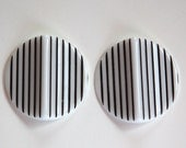 Vintage Acrylic Black and White Striped Pinched Retro Cabochons cab798