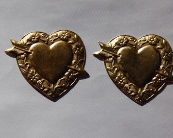 Vintage Brass Heart Stampings with Arrow mtl194