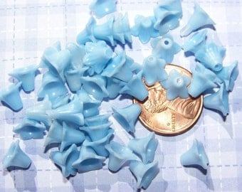 Vintage Blue Tiny Little Tulip Flower Beads bds080