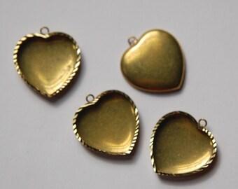 Vintage Brass Heart Setting Pendant Charm 18mm stn024A