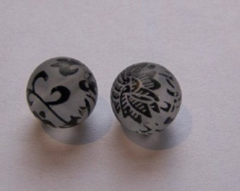 Frosted Beads with Jet Black Floral Scroll Design bds147
