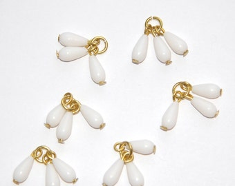 Vintage White Acrylic Triple Teardrop Drops Charms Japan drp036