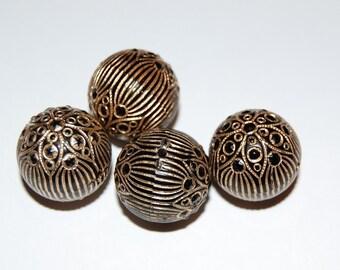 Vintage Black and Gold Etched Elegant Beads bds459