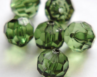 Vintage Large Acrylic Green Faceted Beads 15mm bds633