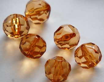 Vintage Large Acrylic Topaz Faceted Beads 15mm bds633A
