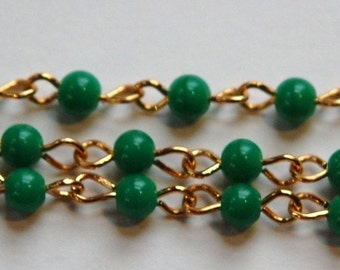 Vintage Jade Green Plastic Beaded Chain Gold Links Japan chn020D